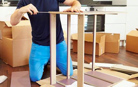 Helmut Ferrari, Möbelmontage
