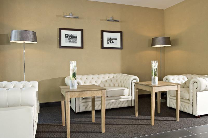 putz hand oder maschine. Black Bedroom Furniture Sets. Home Design Ideas