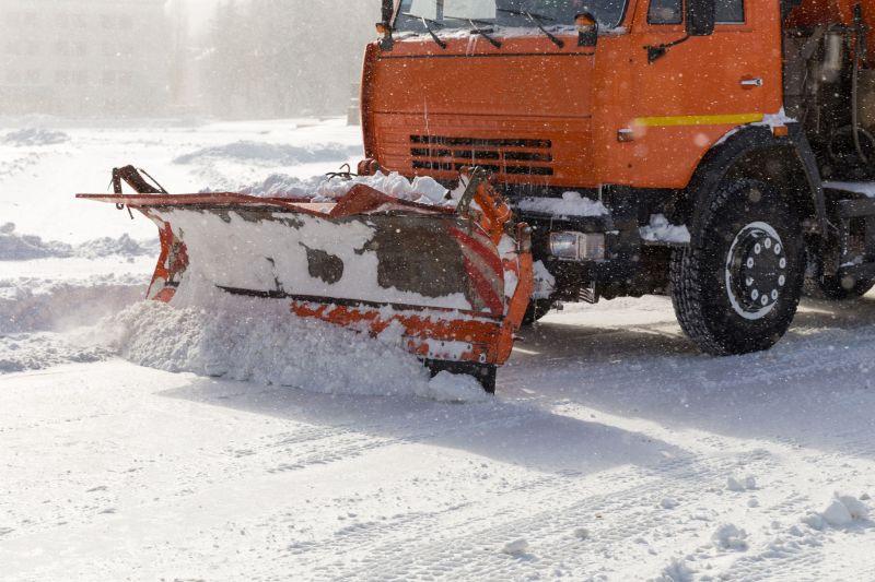 Winterdienst - mit Salz und Splitt gegen den Winter