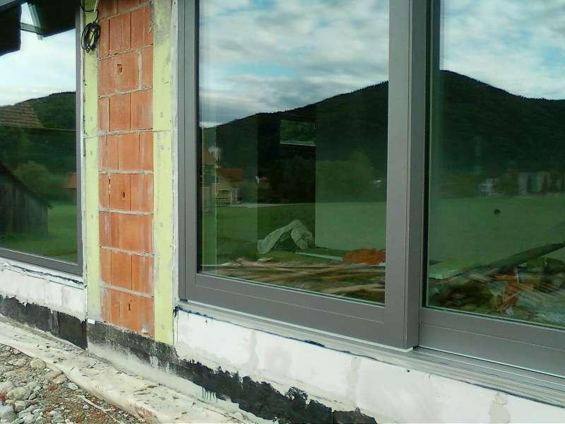 Fenster einbauen: vor oder nach dem Verputzen?