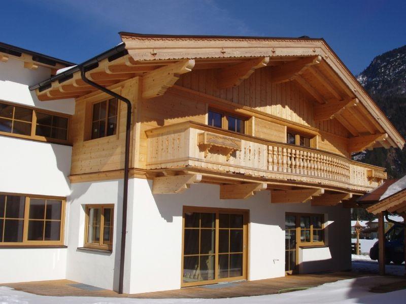 Holzbalkon Und Fassade Schwendt Zimmerei Jochl Kg